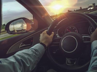 Po czym poznać ile samochód przejechał kilometrów?