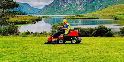 Jaki akumulator wybrać do kosiarki, traktorka ogrodowego?